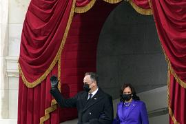 Vice President-elect Kamala Harris and her husband Doug Emhoff arrive for the inauguration of President-elect Joe Biden during the 59th Presidential Inauguration