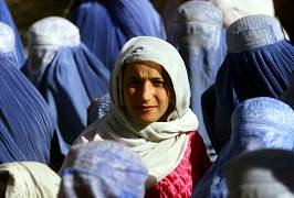 زنان افغان در سال ۲۰۰۱