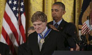رابرت ردفورد، بازیگر آمریکایی در سال ۲۰۱۶ نشان افتخار آزادی دریافت کرد.