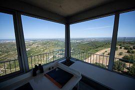 Poste de contrôle de la vigie d'Arbois permettant de surveiller les départs de feu dans la région d'Aix-en-Provence dans le sud de la France, le 7 juillet 2020
