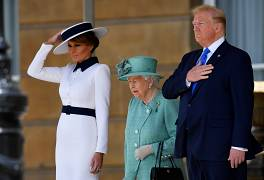 Trump and First Lady Melania Trump meet with Britain's Queen