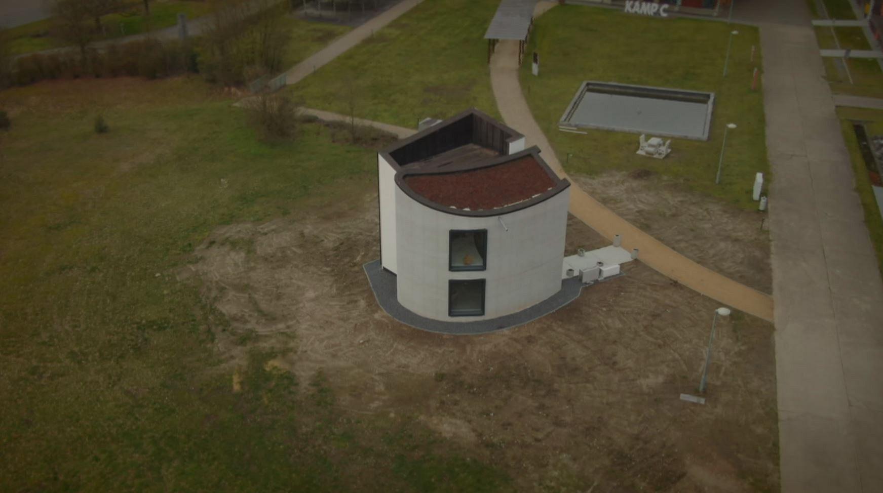 Prima casă imprimată 3D din beton dintr-o singură bucată din lume.