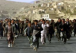 خرسندی ساکنان کابل از سقوط طالبان در سال ۲۰۰۱