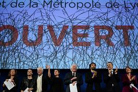 US actor Donald Sutherland (6thR), French actor Vincent Elbaz (5thR), French actor Lambert Wilson (4thR) pose during the opening ceremony of the Lumiere Film Festival in Lyon.
