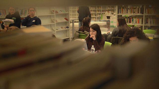 Φοιτητές και κατοίκους που χρονολογούνται
