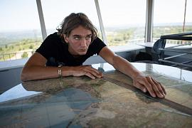 Cyprien Schaffner dans la vigie d'Arbois près d'Aix-en-Provence, dans le sud de la France le 7 juillet 2020