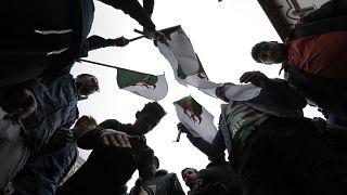 طلاب خلال مظاهرة في الجزائر