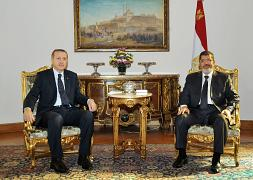 الرئيس المصري السابق محمد مرسي مع الرئيس التركي رجب طيب إردوغان نوفمبر/تشرين الثاني 2012
