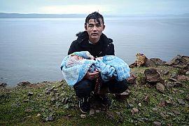 پناهجویی با یک نوزاد در جزیره لسبوس یونان