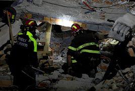 Μάχη με τον χρόνο για τα συνεργεία διάσωσης