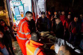 Συνεχείς οι προσπάθειες των διασωστών στις πληγείσες περιοχές