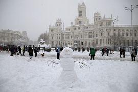 Los muñecos de nieve fueron uno de los pasatiempos favoritos de los madrileños.