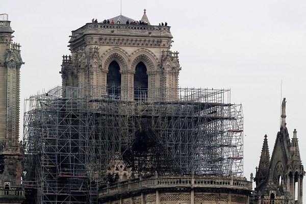 Az egész középkori tetőszerkezet leégett