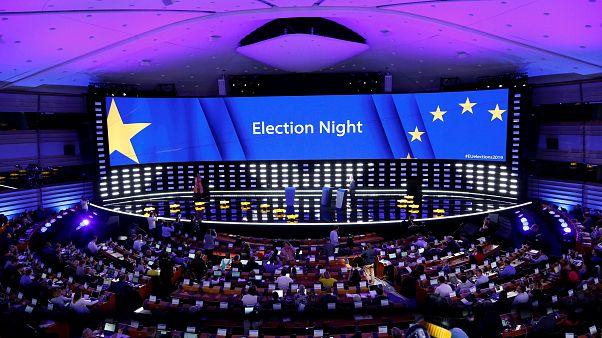 """النتائج الأولية للانتخابات البرلمانية الأوروبية.. """"الشعب الأوروبي"""" يحافظ على صدارته"""
