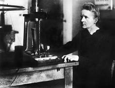The first woman to win Nobel prize: Marie Curie