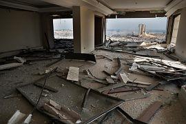 В результате взрыва в порту погибли более 100 человек.