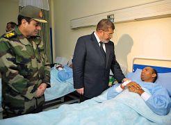 الرئيس المصري السابق محمد مرسي مع وزير الدفاع عبد الفتاح السيسي يناير/كانون الثاني 2013