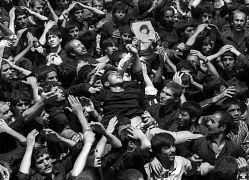عزاداران درگذشت روح الله خمینی در ایران در سال ۱۹۸۹