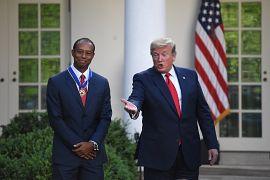 تایگر وودز، گلف باز آمریکایی در سال ۲۰۱۹ نشان افتخار آزادی را دریافت کرد.
