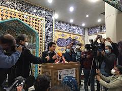 مراسم اقامه نماز بر پیکر محمدرضا شجریان در بهشت زهرای تهران با حضور خانواده و شماری از شخصیتهای سیاسی و فرهنگی برگزار شد