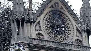 Δωρεές εκατομμυρίων για την αποκατάσταση της Notre Dame