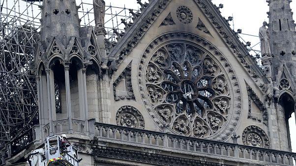 Multimilionários franceses disponíveis para doar 300 milhões