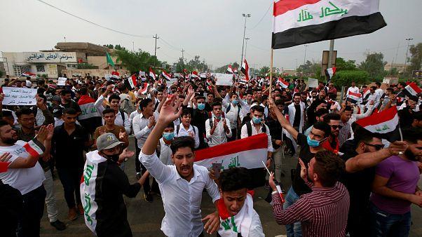 شهود: سيارات وآلاف العراقيين يكسرون حظر التجول في بغداد