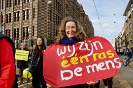 Hollanda'da ırkçılığa ve ayrımcılığa karşı yürüyüş