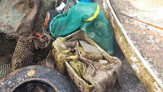 Σκουπίδια στον βυθό της Πάχης