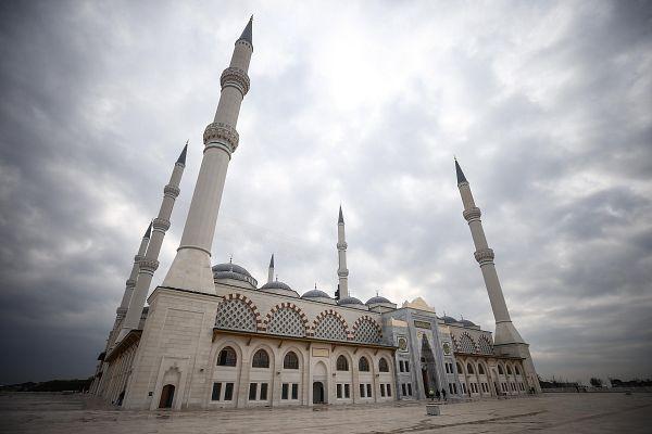 Çamlıca Camisi İstanbul'un her noktasından görülebilecek