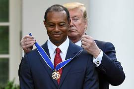 تایگر وودز، گلف باز آمریکایی در سال 2019 نشان افتخار آزادی را دریافت کرد.