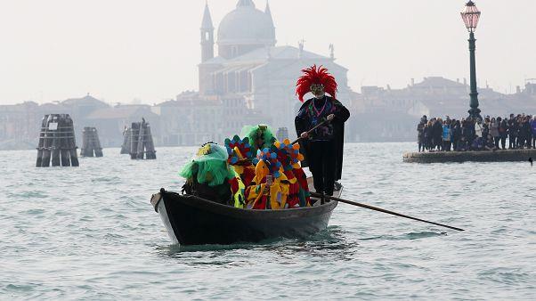 Nach 2 Toten und 129 Infizierten: Venedig sagt Karneval ab