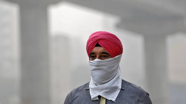 Toxic smog grips New Delhi