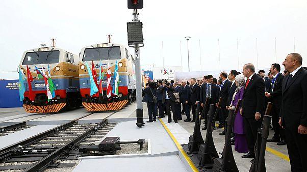 Görüş - Azerbaycan: Avrupa ile Asya arasında yeni bir Enerji ve Ulaşım Merkezi