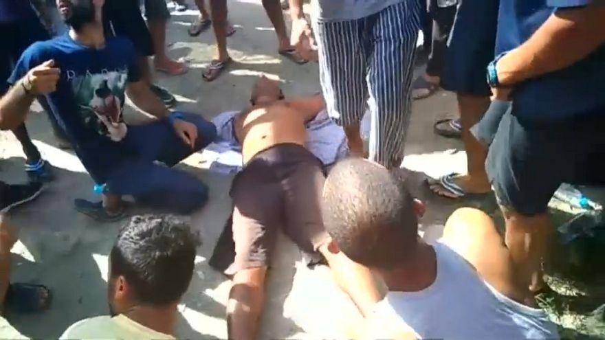 Polícia inicia evacuação forçada de campo de refugiados de Manus