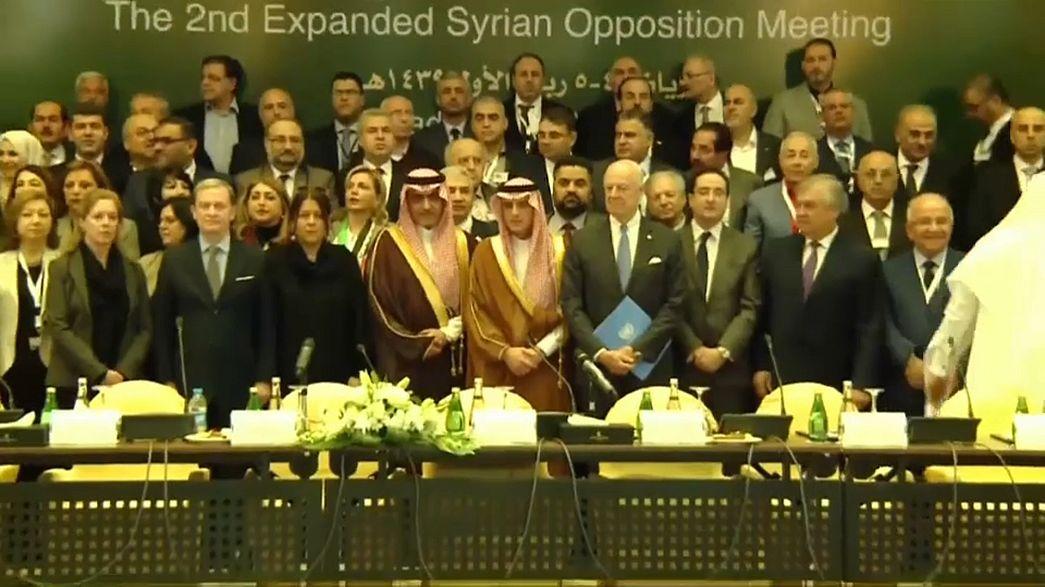 Сирийская оппозиция договорилась сформировать единую делегацию