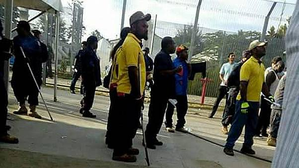 Manus: Auffanglager komplett geräumt