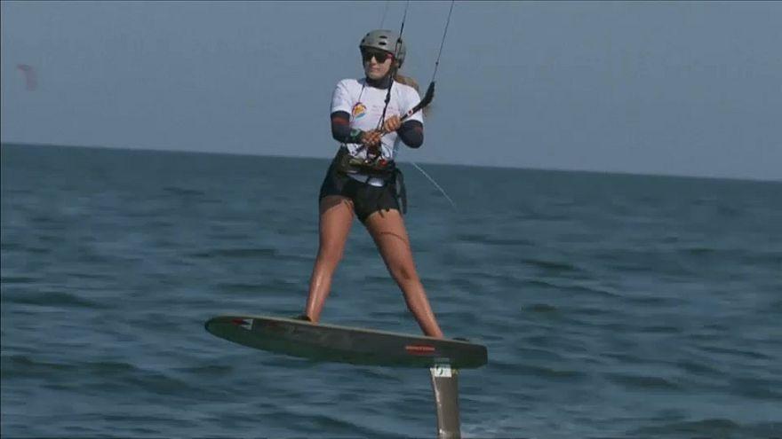 شاهد: سلطنة عمان تستضيف بطولة العالم للتزلج على المياه