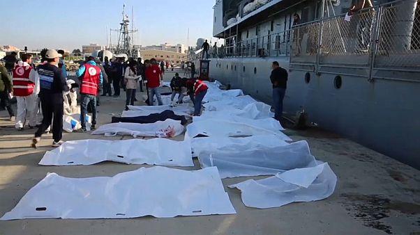 غرق عشرات المهاجرين في المتوسط وسمك القرش يلتهم الجثث
