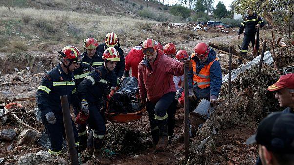 Μάνδρα: 23 οι νεκροί από την φονική κακοκαιρία