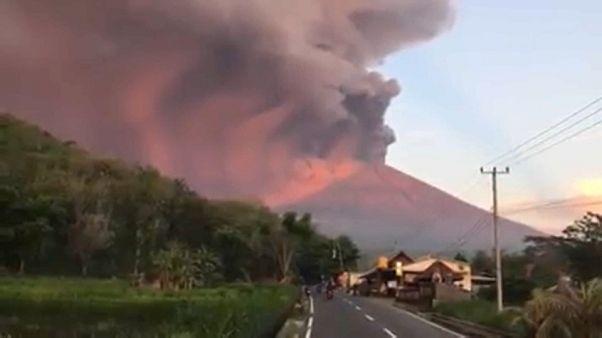 Vulcão Agung coloca Bali em alerta máximo