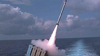 """""""القبة الحديدية"""" نظام صاروخي في البحر لاعتراض الصواريخ القصيرة المدى"""