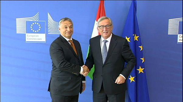 """Exklusiv: 4 europäische """"Elder Statesmen"""" fordern Einfrieren von EU-Geldern für Ungarn"""