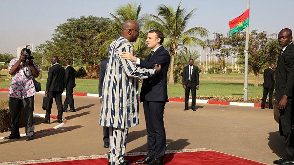 Que estratégia promete Macron para África?
