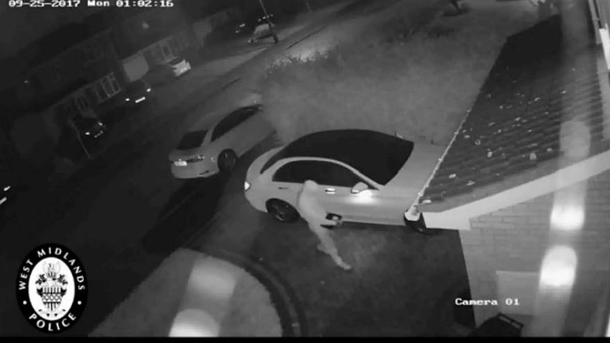 Relay car theft in Sulihull