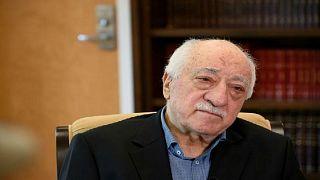 رجل الدين التركي المقيم في الولايات المتحدة فتح الله كولن في منزله ببنسلفان