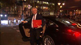 David Davis al llegar a su domicilo en Londres