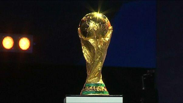 Le Mondial de foot à l'heure du tirage au sort