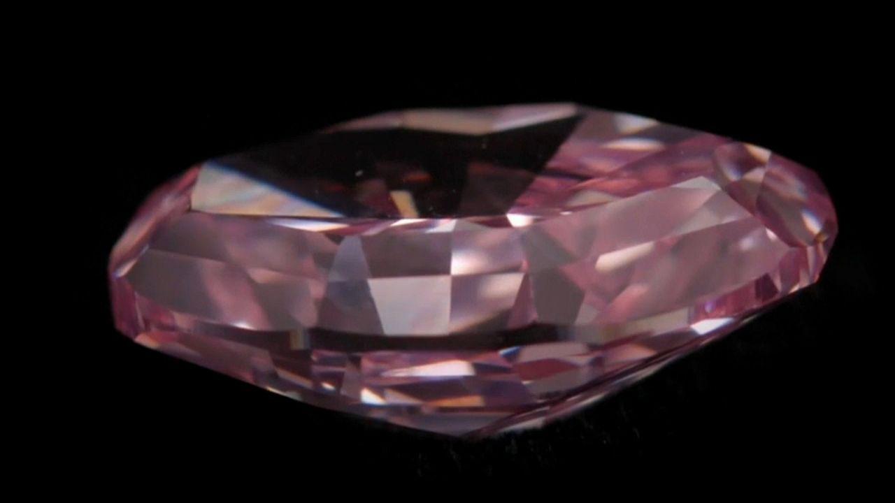 Un diamant rose part aux enchères pour 32 millions de dollars