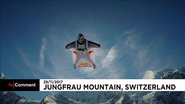 Svájcban próbálták ki az új repülő ruhát